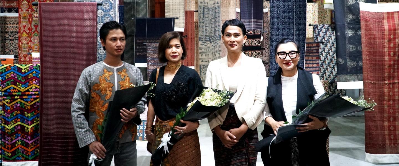 I AM INDONESIAN. Perayaan Hari Batik Nasional di S