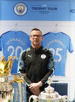 THE LEGEND OF MANCHESTER CITY AT SENAYAN CITY