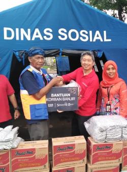 Senayan City Berbagi Korban Banjir Jakarta