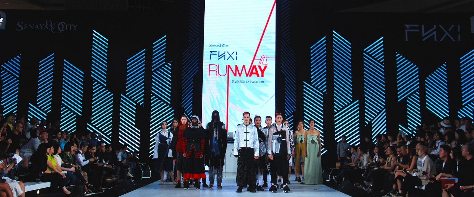 3e9a482a7c RUNWAY HITS HIGHLIGHT YOUNG & EMERGING INDONESIAN DESIGNERS. PRESS RELEASE.  07 Agustus 2017, by SenayanCity