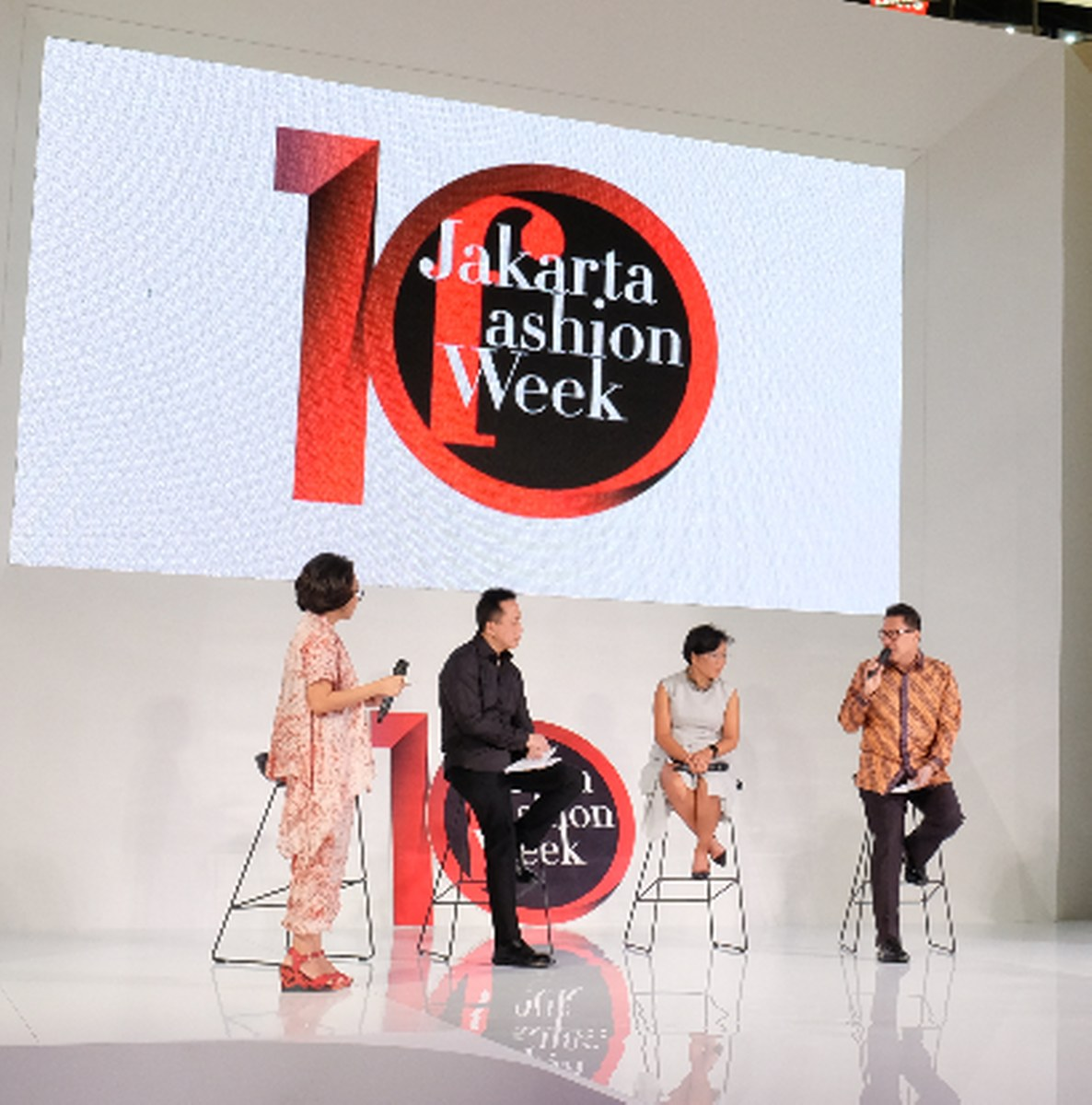 JAKARTA FASHION WEEK 2018 OFFICIALLY START IN SENAYAN CITY